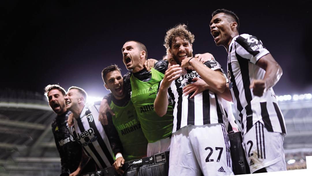 La festa post-derby dei giocatori della Juve. Afp